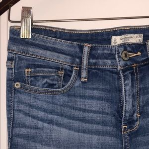 Abercrombie & Fitch Mid-Wash Skinny Jean